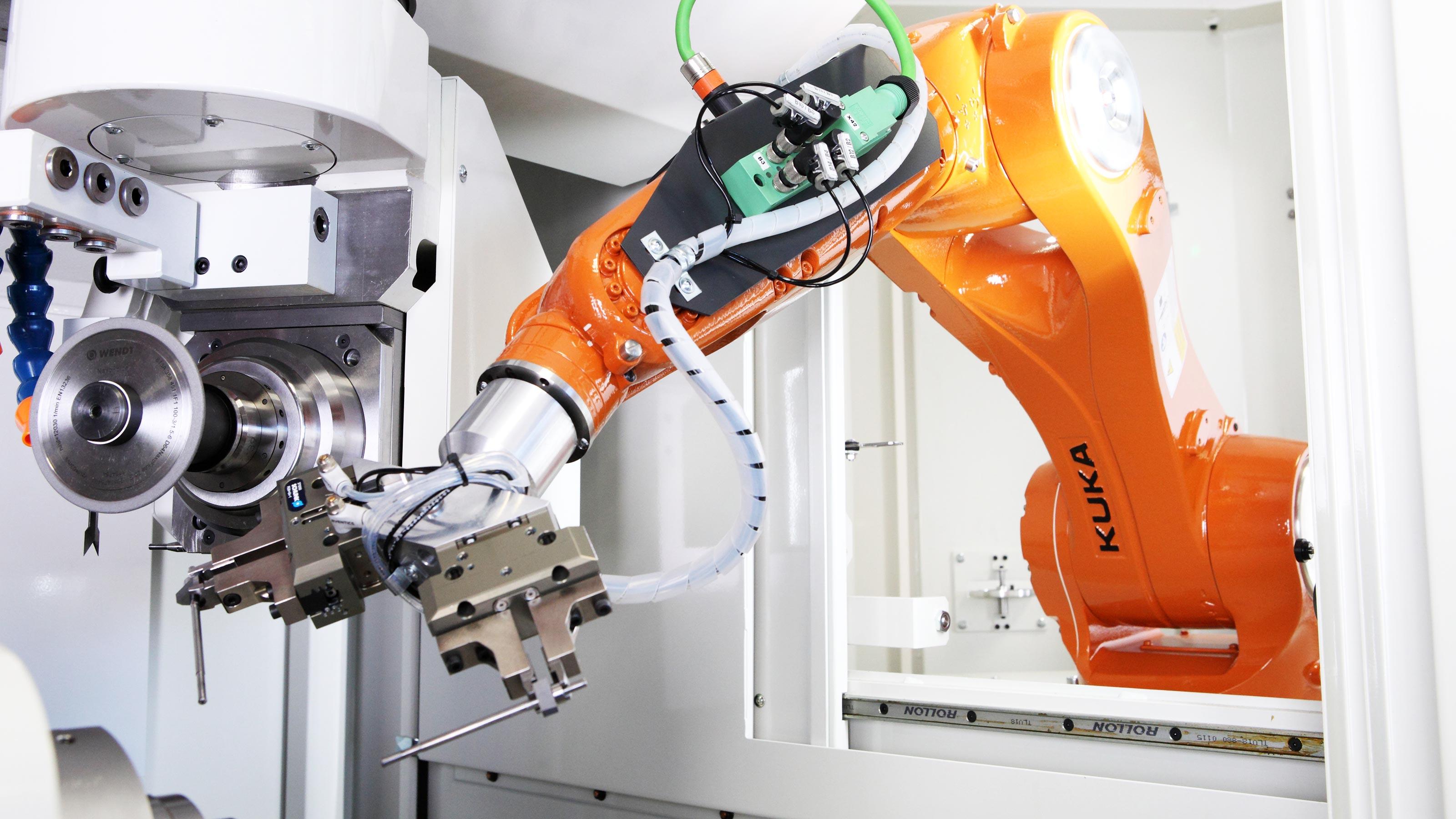 Machine tool automation | KUKA AG