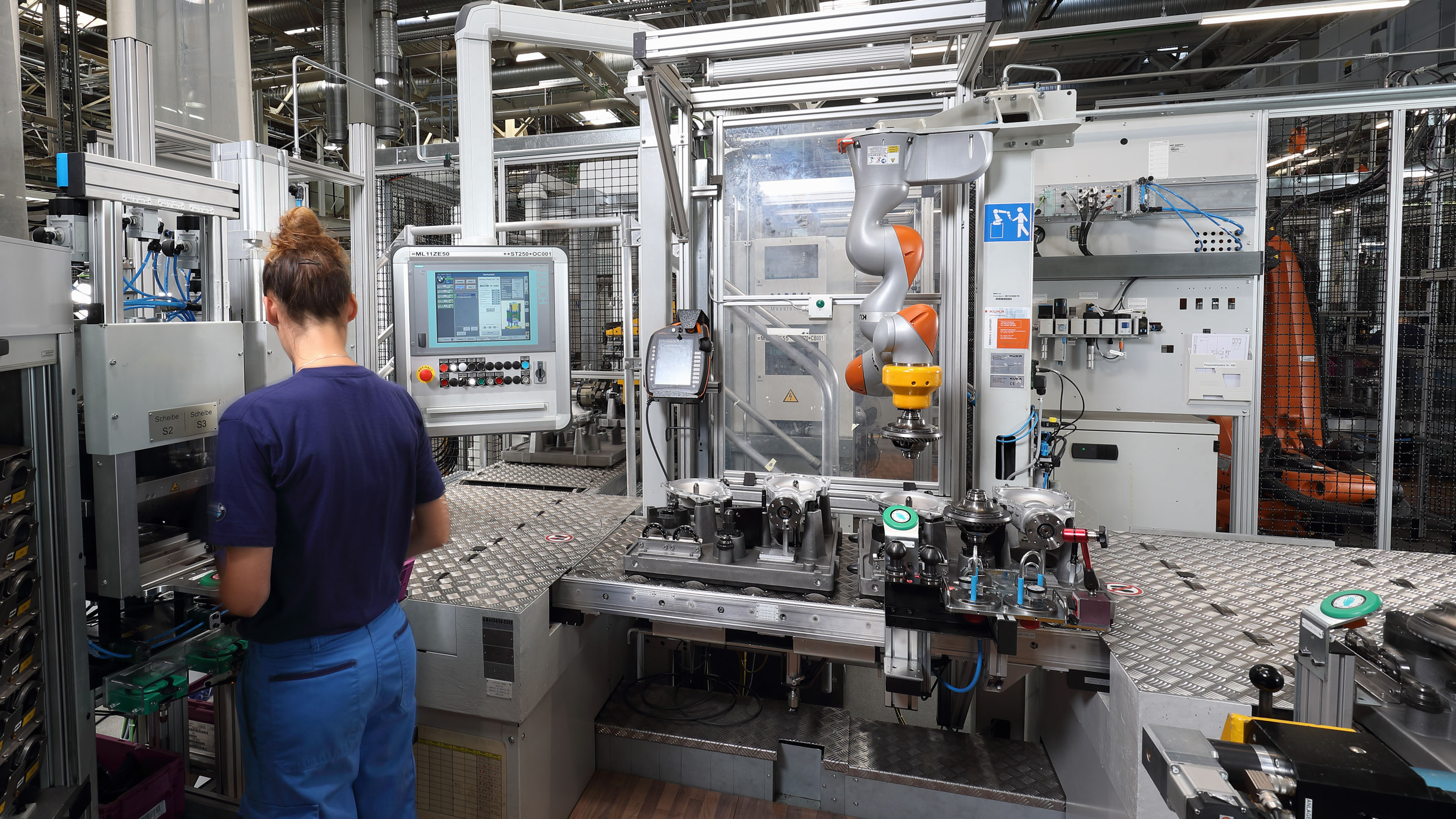 Hrc Systems In Production At Bmw Dingolfing Kuka Ag