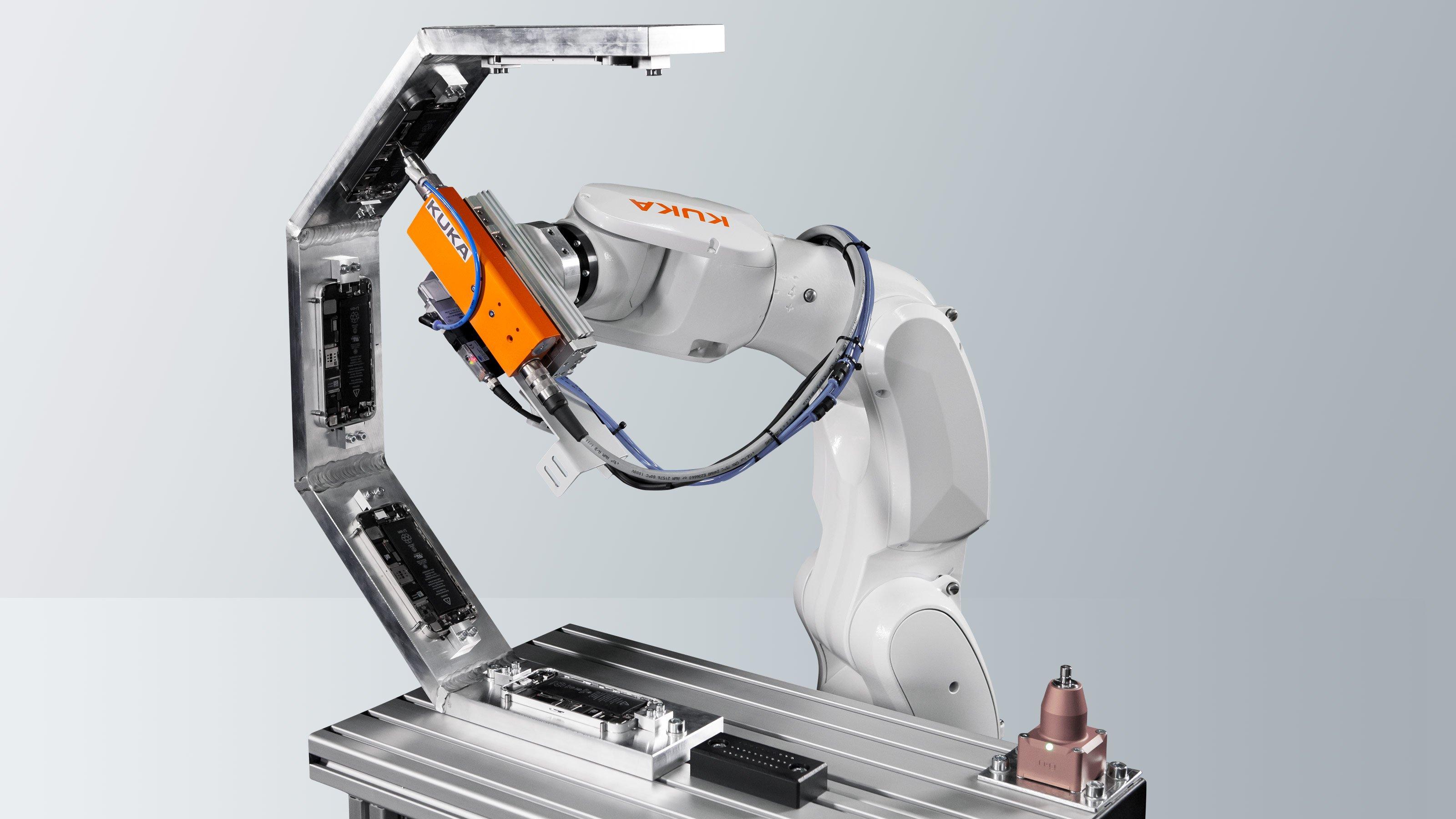 Kuka anuncia nova família de robôs compactos KR SCARA