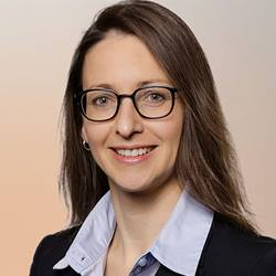 Portrait of Kerstin Heinrich, Head of Investor Relations KUKA AG